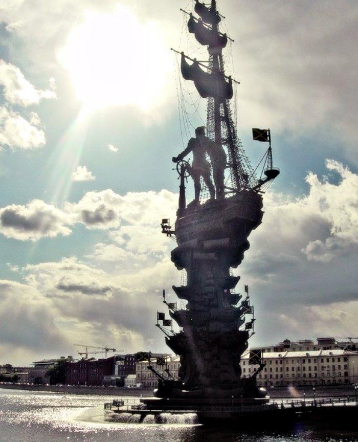 памятник петру первому в москве фото вам